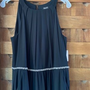 Black Dress wIth Silver Waist Accent